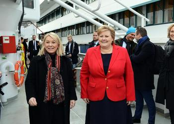 Minster of Trade and Industry Monica Mæland  (left) and Prime Minster Erna Solberg launch a new ocean strategy in Bergen.
