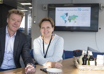Stein Irgens, regional director at IBM,  and Anne Jacobsen, CEO of NCE Media