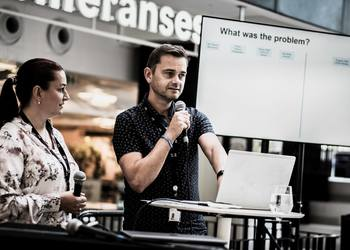 Hege Kallestad and Kjell Ove Skarsbø from TV 2 talking about their digital transformation journey. Photo: NCE Media