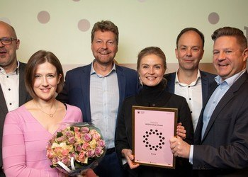 From left: Trond Helge Hansen from Ocean Rim, Mimmi Throne-Holst from SINTEF Ocean, Christian Testman from Ocean Visuals (NOSCA Chairman), Hildur Smáradottir from Miros (NOSCA board member), Geir Christian Helgesen from FRAMO (NOSCA board member), and NOSCA Clean Oceans cluster leader Eirik Langeland.
